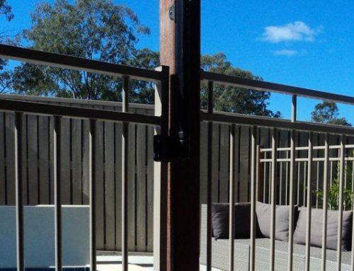 ALUMINUM RAIL POOL GATES